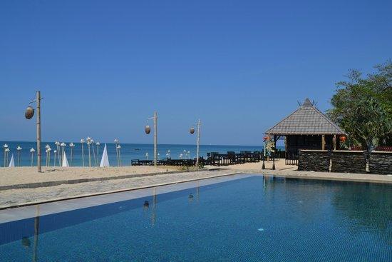 SriLanta Resort: Der wunderschöne Pool
