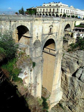 Puente Nuevo Bridge: Новый мост