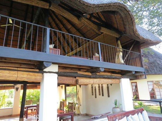 Waterberry Zambezi Lodge: Lounge 1st floor / dining, drinks ground floor