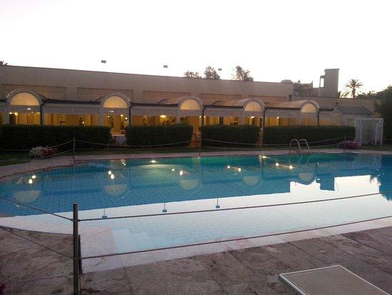 NH Catania Parco Degli Aragonesi: Pool
