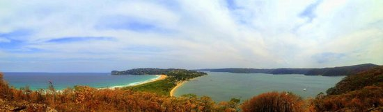 Palm Beach : Breathtaking view at the top of the Barrenjoey climb