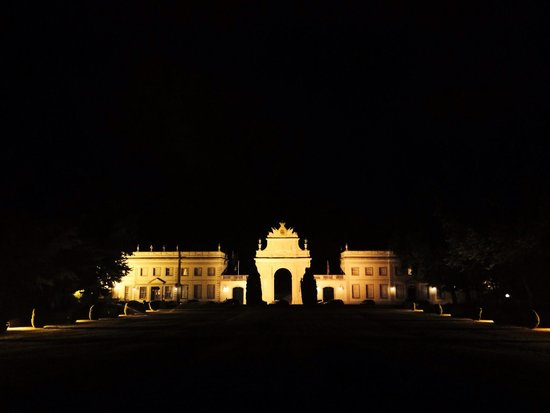 Tivoli Palácio de Seteais : at night
