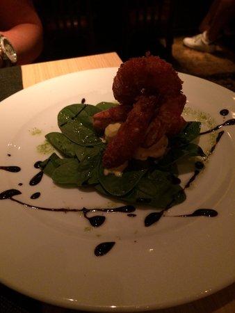 Gilda by Belgious : Gamba's met curry-ijs op een bedje van spinazie, echt een topper om uit te proberen!