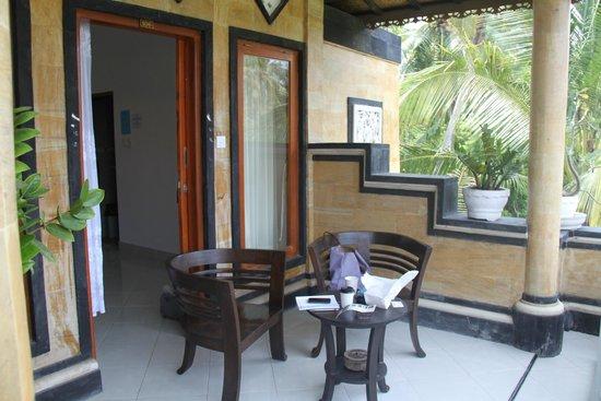 Nitya Home Stay: Room terrasse