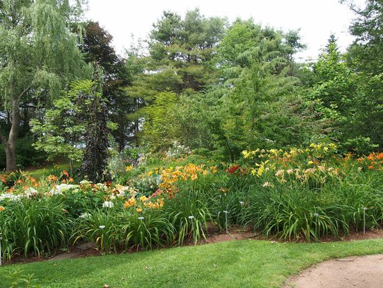 Annapolis Royal Historic Gardens: Picture perfect around every corner.