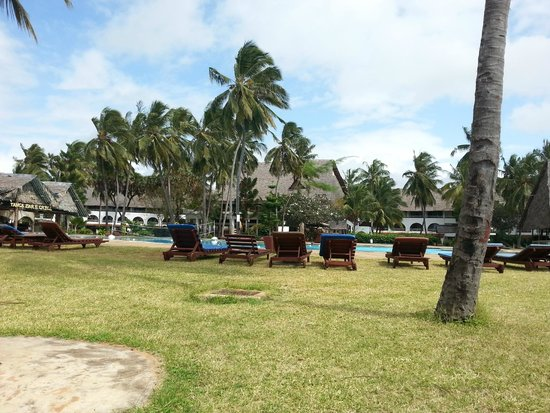 The Reef Hotel Mombasa : Pool/Beach area
