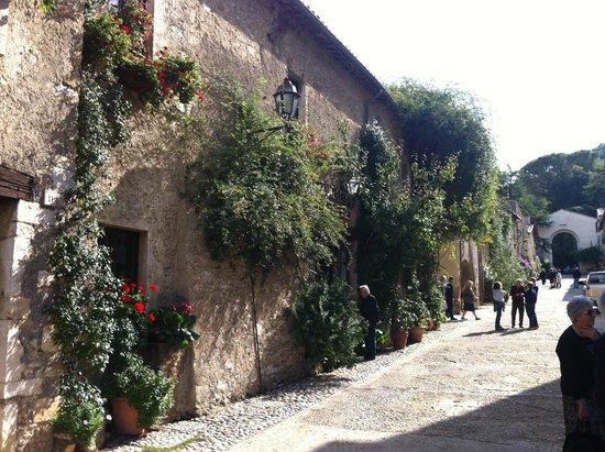 Abbazia di Farfa : il borgo