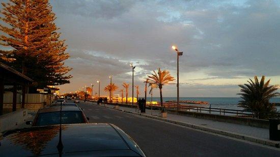 Hotel Miramare: Lungomare al tramonto