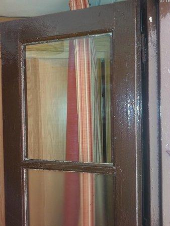 Hotel-Balneario de la Virgen: madera vieja