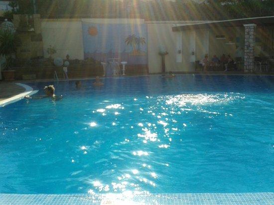 Venezia Resort: piscina