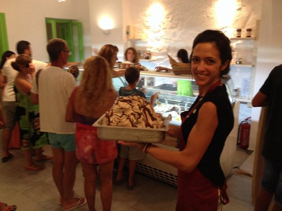 Nostos Studios: The owners runs also a gelateria