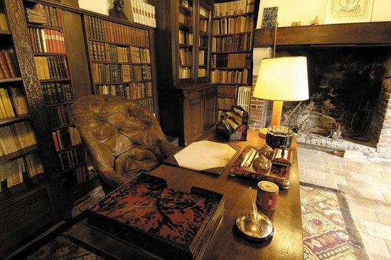 Bureau daragon photo de maison elsa triolet aragon saint arnoult