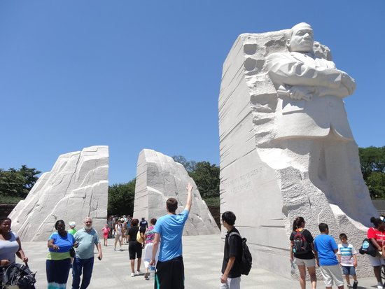 Martin Luther King, Jr. Memorial : The Martin Luther King National Memorial