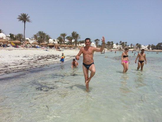 El Mouradi Djerba Menzel: stone beach