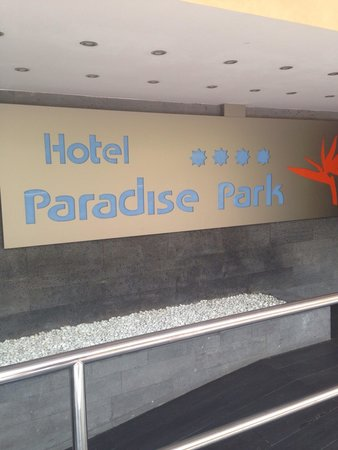 Paradise Park Fun Lifestyle Hotel: Front sign