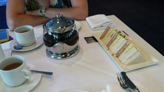 Bateaux London : Sandwiches for afternoon tea