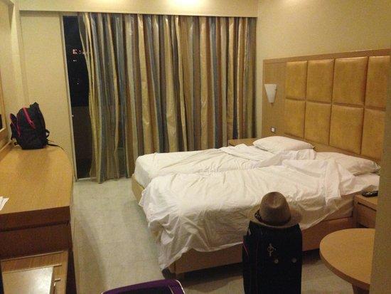 SunConnect Kolymbia Star: the room