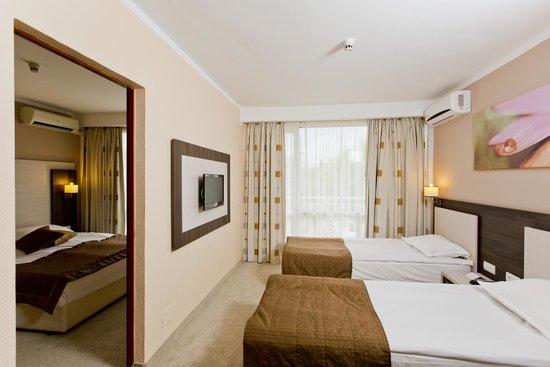 DIT Evrika Beach Club Hotel: Family room