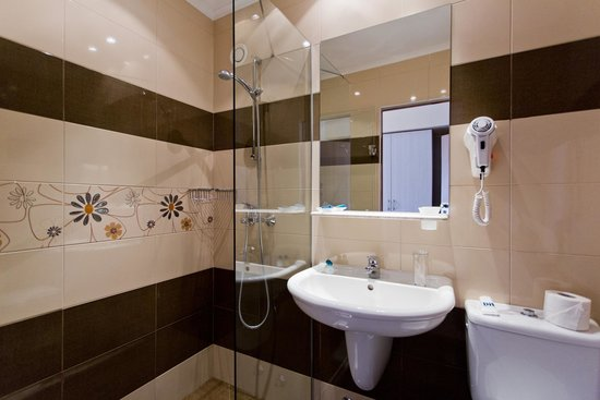 DIT Evrika Beach Club Hotel: Family room - Bathroom