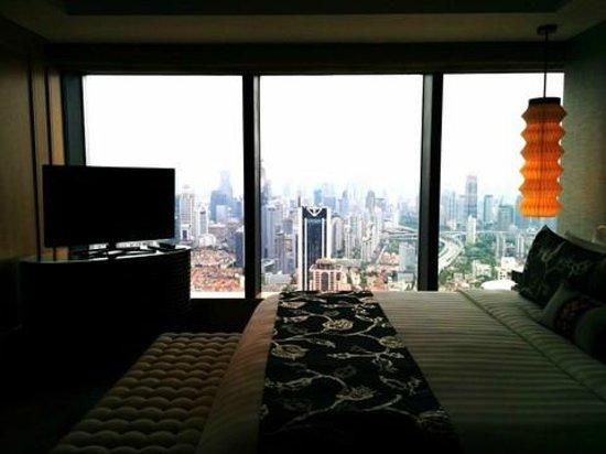 Jing An Shangri-La, West Shanghai: bedroom