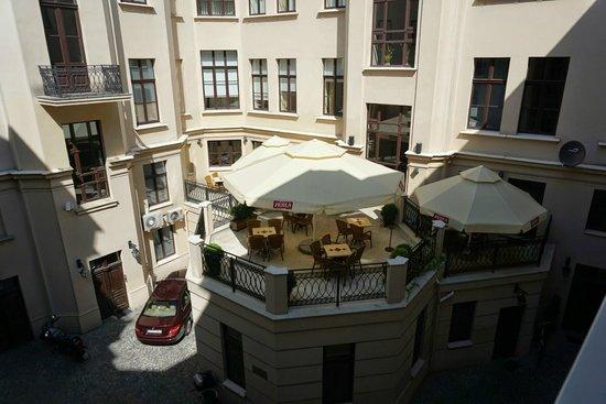 IBB Grand Hotel Lublinianka : Courtyard