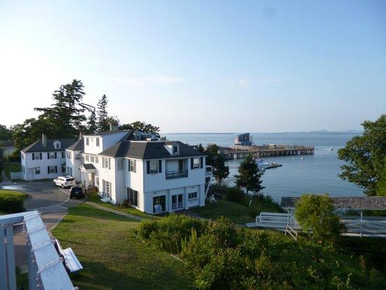 Atlantic Oceanside Hotel and Event Center: Blick vom Hotelrestaurant/Terasse aufs Meer