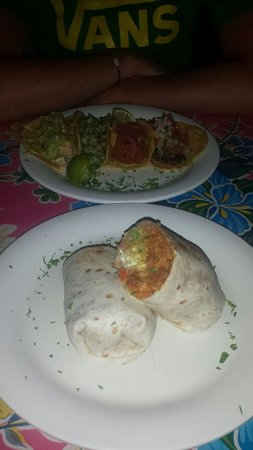 Rosa Negra : burrito and taco selection