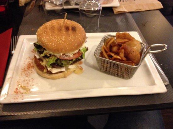 Le Bistronome : Le burger normand et ses frites maison, enoooorme !!!