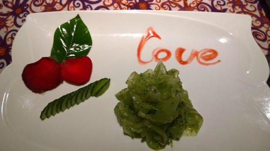 ChengDu Xiao Jing Si Fang Cai: Great food, nice romantic touch too!