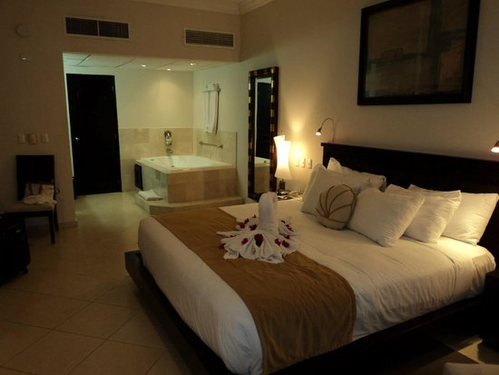Presidential Suites A Lifestyle Holidays Vacation Resort : Presidential Suite room.