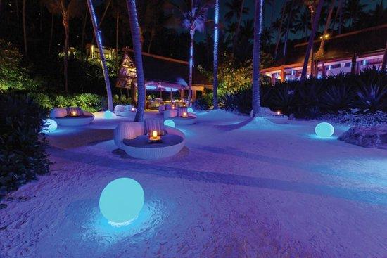 Four Seasons Resort Koh Samui Thailand: Beach at night