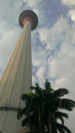 Menara Kuala Lumpur (KL Tower): 很值得一遊!