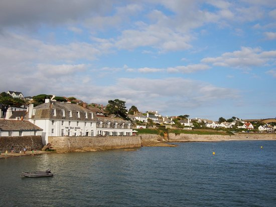 The Idle Rocks: view of hotel from harbour quay