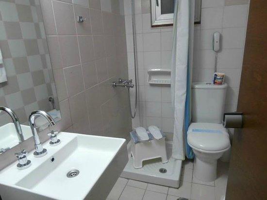 Hotel Akti: Bathroom