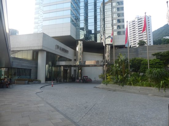 JW Marriott Hotel Hong Kong: The main front face of the luxury property