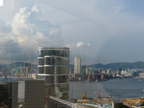JW Marriott Hotel Hong Kong: Look out from the window (26th floor)