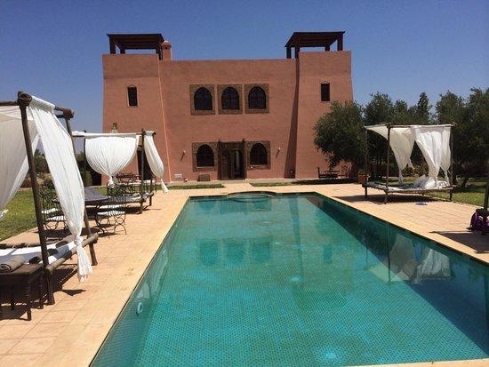 Riad Couleur Sable : La piscine !