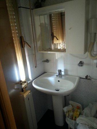Hotel La Perla Preziosa: Il bagno