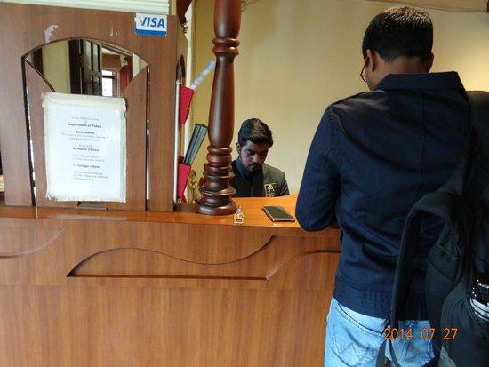 Hotel Darshan Ooty: Hotel staff members