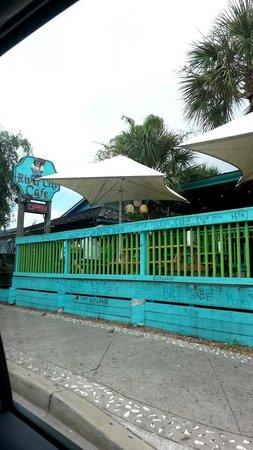 River City Cafe: DROVE PAST IT- KINDA  HIDDEN