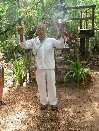 Ek Balam Mayan Ruins : mene ou chamane maya