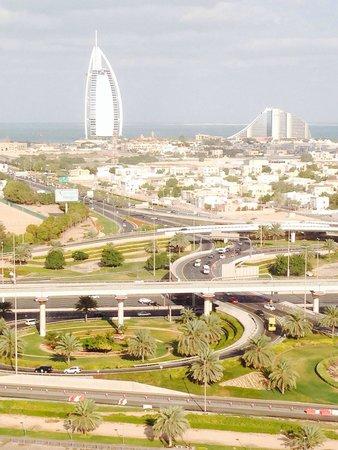 Sheraton Dubai Mall of the Emirates Hotel: Вид из окна