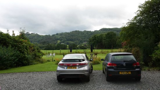 Lake View Country House: View from the Garden Suite lounge