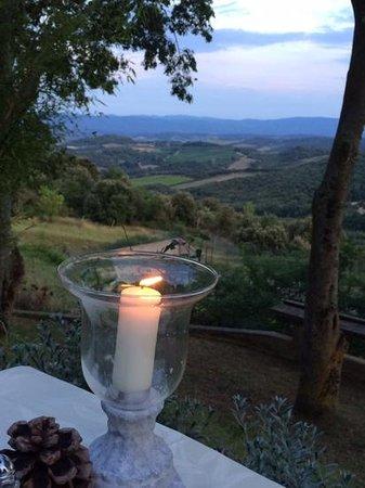 Domaine Michaud : uitzicht tijdens diner buiten