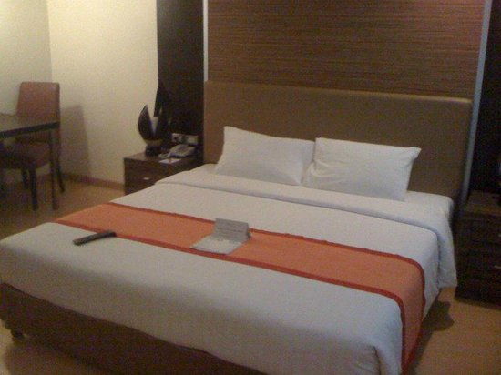 Aspen Suites Hotel Sukhumvit 2 Bangkok by Compass Hospitality: Other side of room