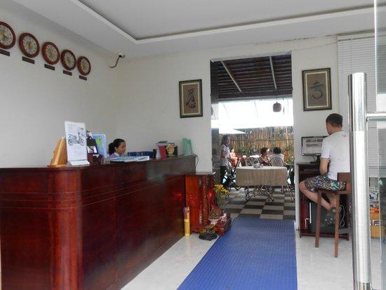 Lavita Hotel: Ресепшион отеля Лавита