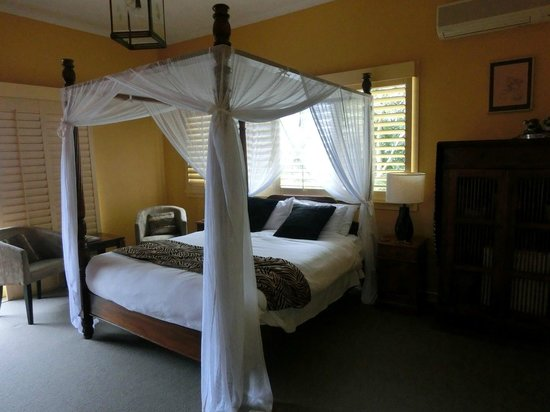 Avocado Sunset Bed and Breakfast: Safari Room
