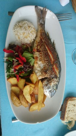 Denizce: Seabream with vegetables and french fries.