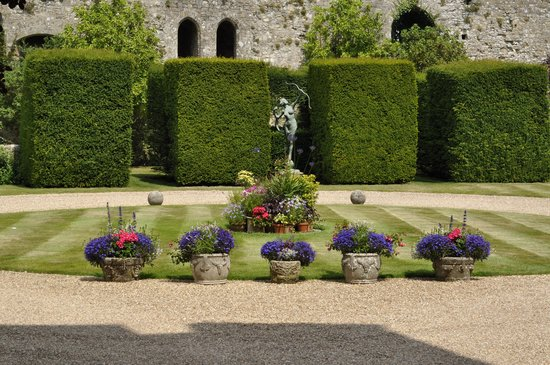 Amberley Castle: The grounds