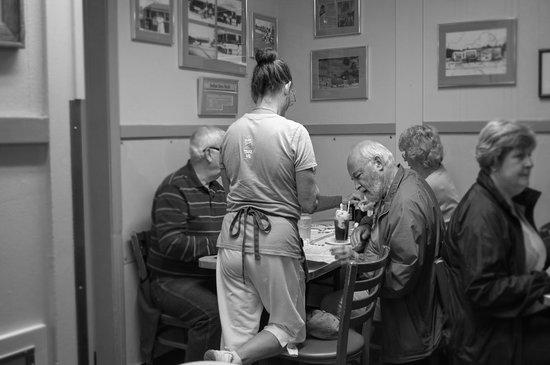 Maine Diner: interior